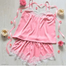 Шелковая пижама персикового цвета