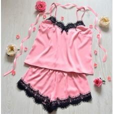 Шелковая пижама нежно розового цвета