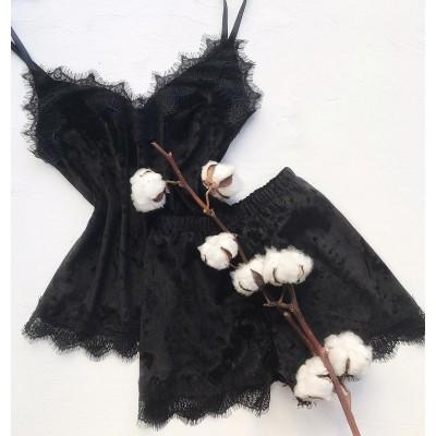 Велюровая пижама майка и шорты черная